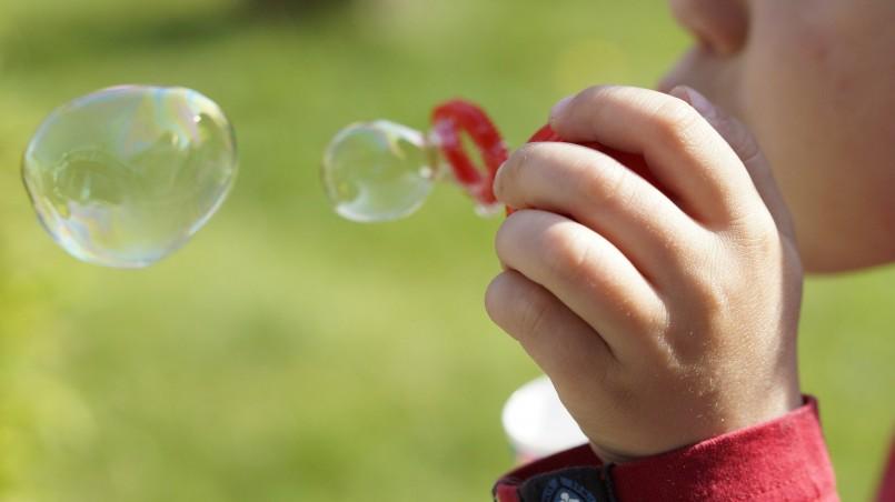 soap-bubbles-322212_1920
